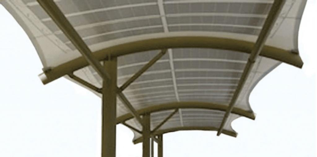 Ombrières en textile photovoltaïque
